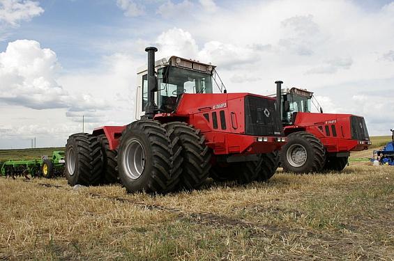 «Петербургский тракторный завод» по итогам 2014 года вышел на первое место по количеству проданных тракторов мощностью свыше 300 л.с.